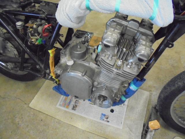 このエンジンをオーバーホールします。