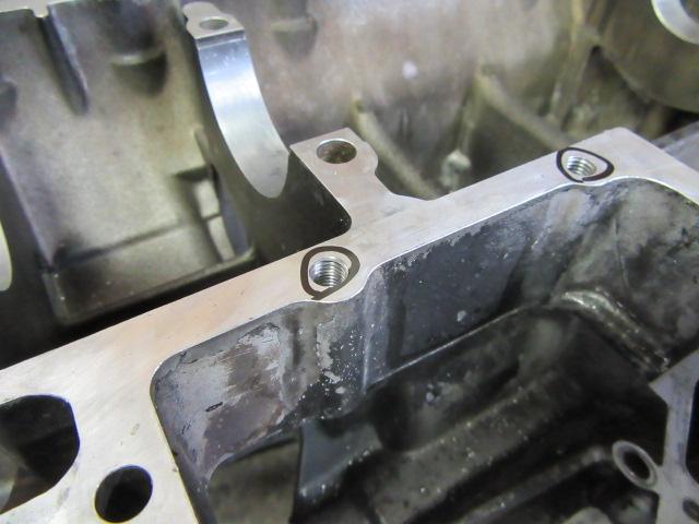 タップを立ておえたところ。この後ヘリサートのコイルを(呼び名は色々あるようです)いれてタングを折れば終了。きちんと作業すれば簡単ですが、他で作業しているもので大変多くミスをしているものを見かけます。
