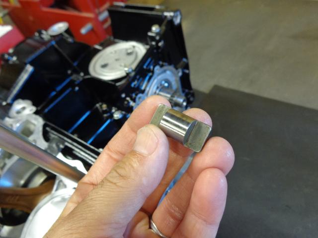 ローラーのシャフトは再使用です。悪くなっていることはとても少ないです。